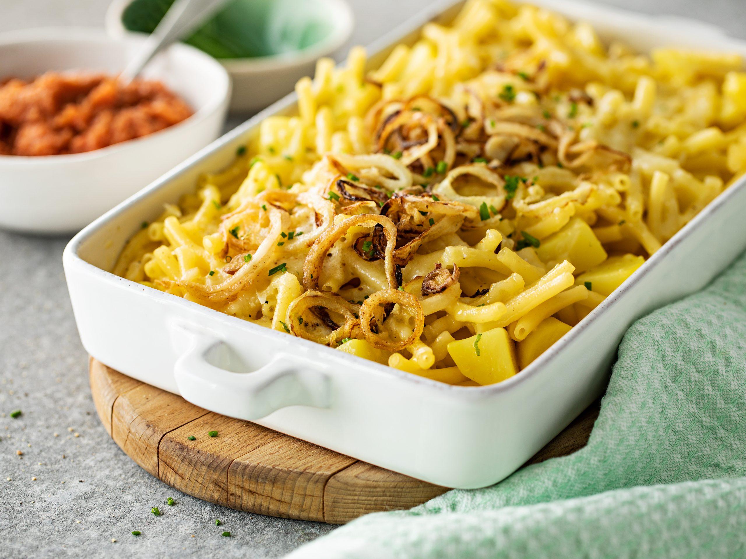 Macaroni du chalet et compote de pommes