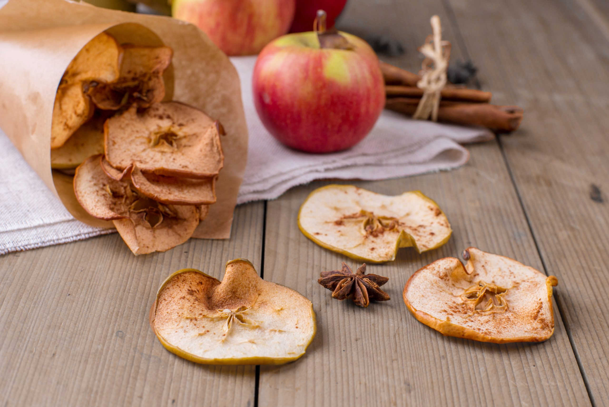 Pommes séchées à la cannelle