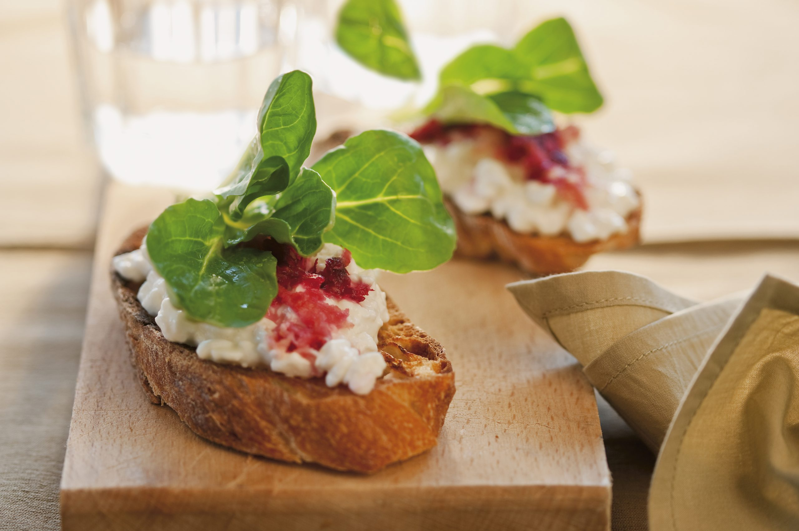 Crostini au cottage cheese