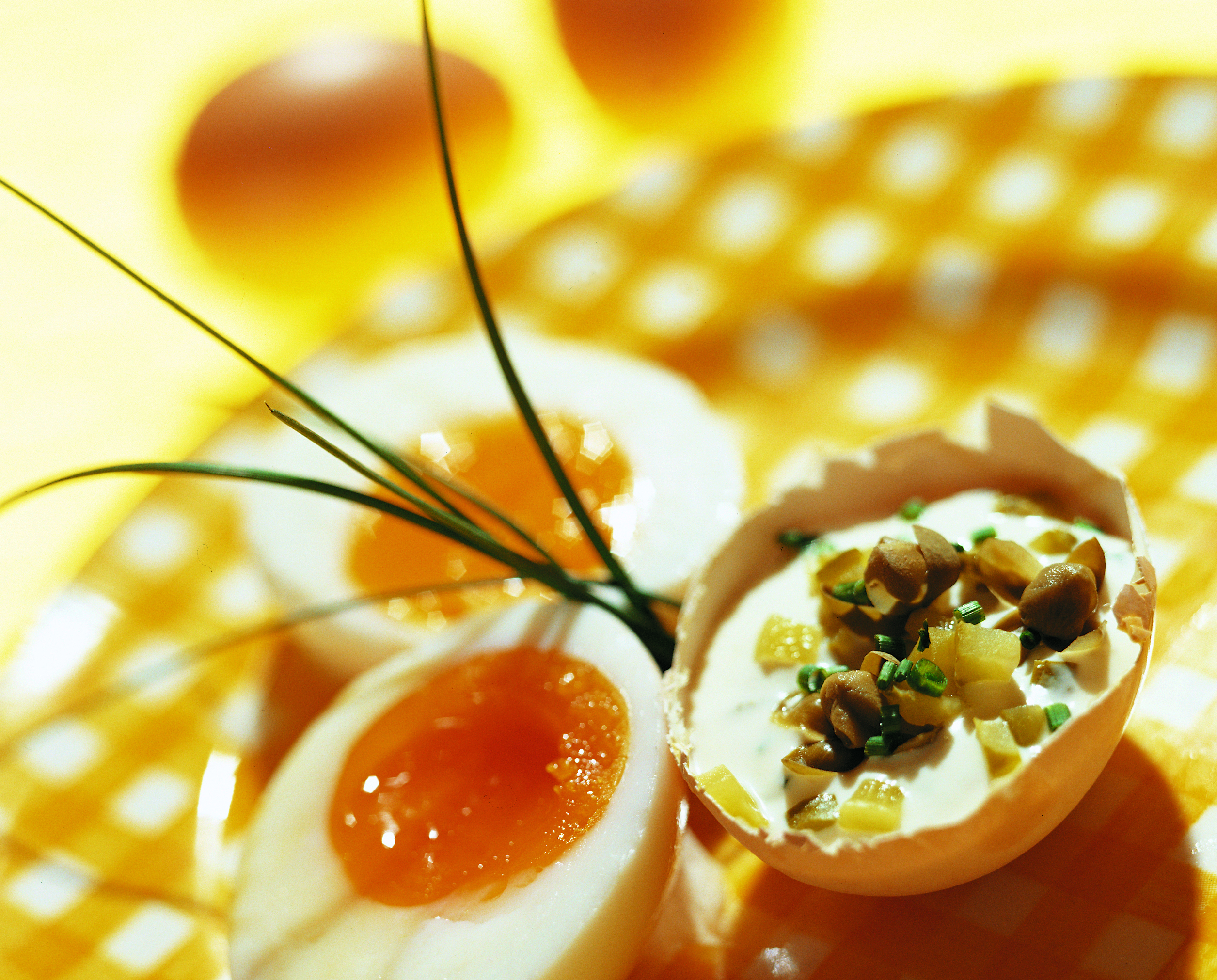 Eier an Forellen-Pesto