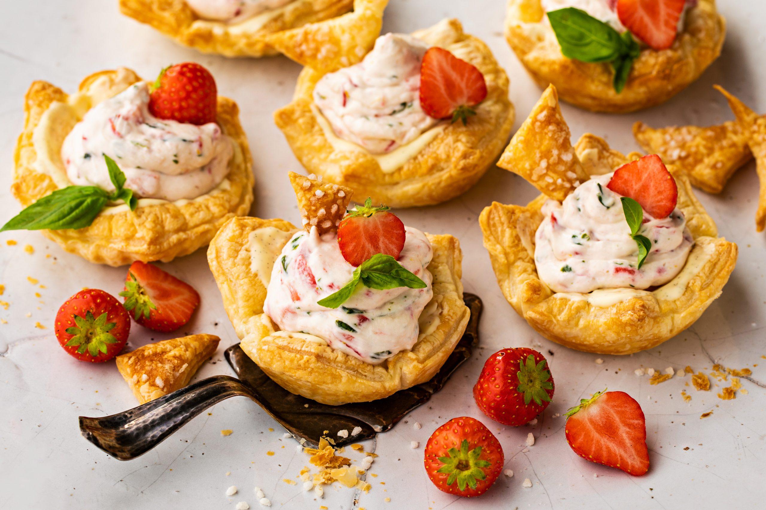 Erdbeer-Basilikum-Törtchen