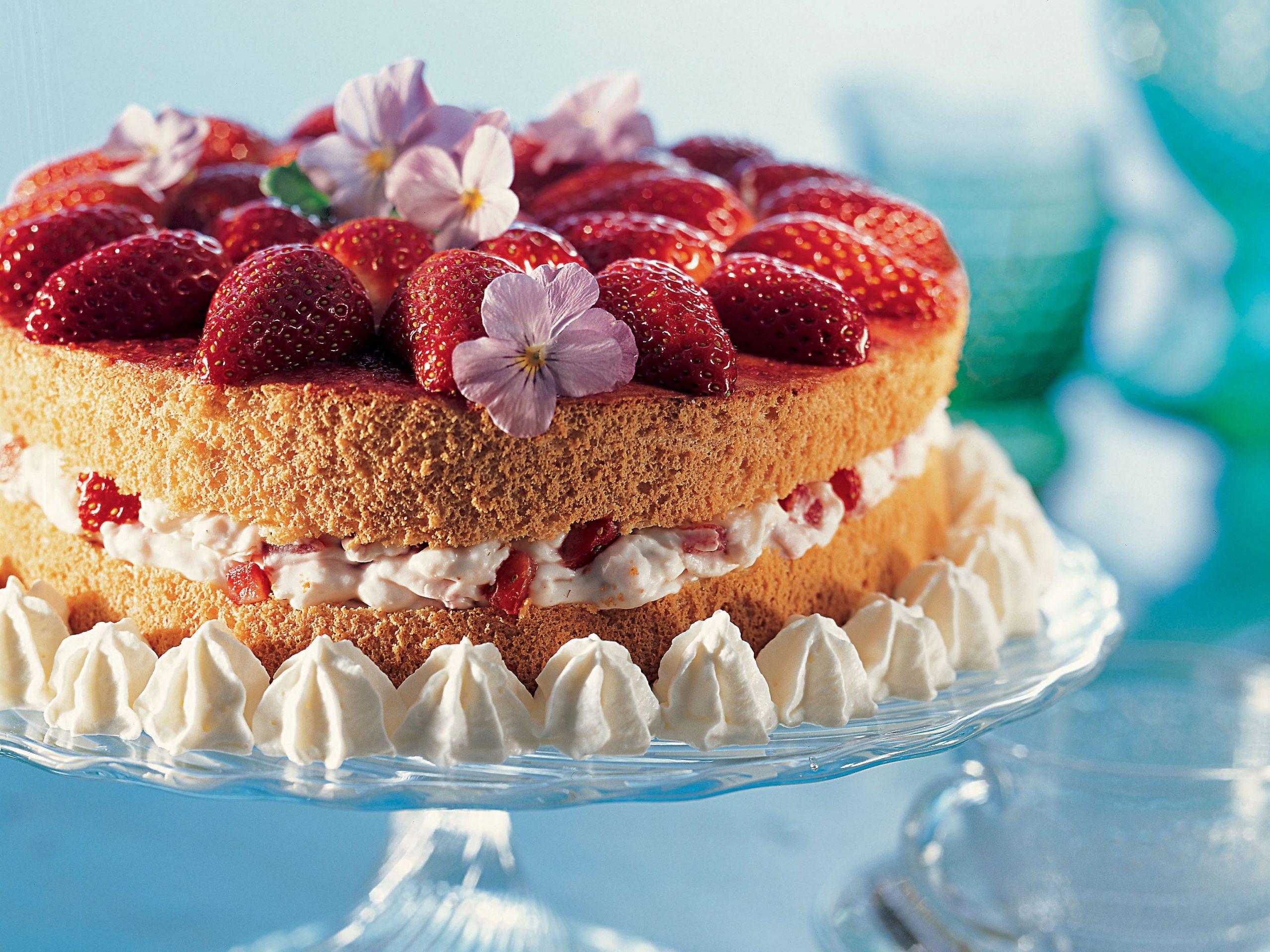 Gâteau étagé aux fraises