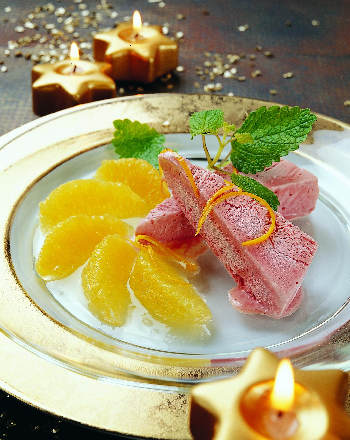Flambierte Orangen mit Glühweinparfait