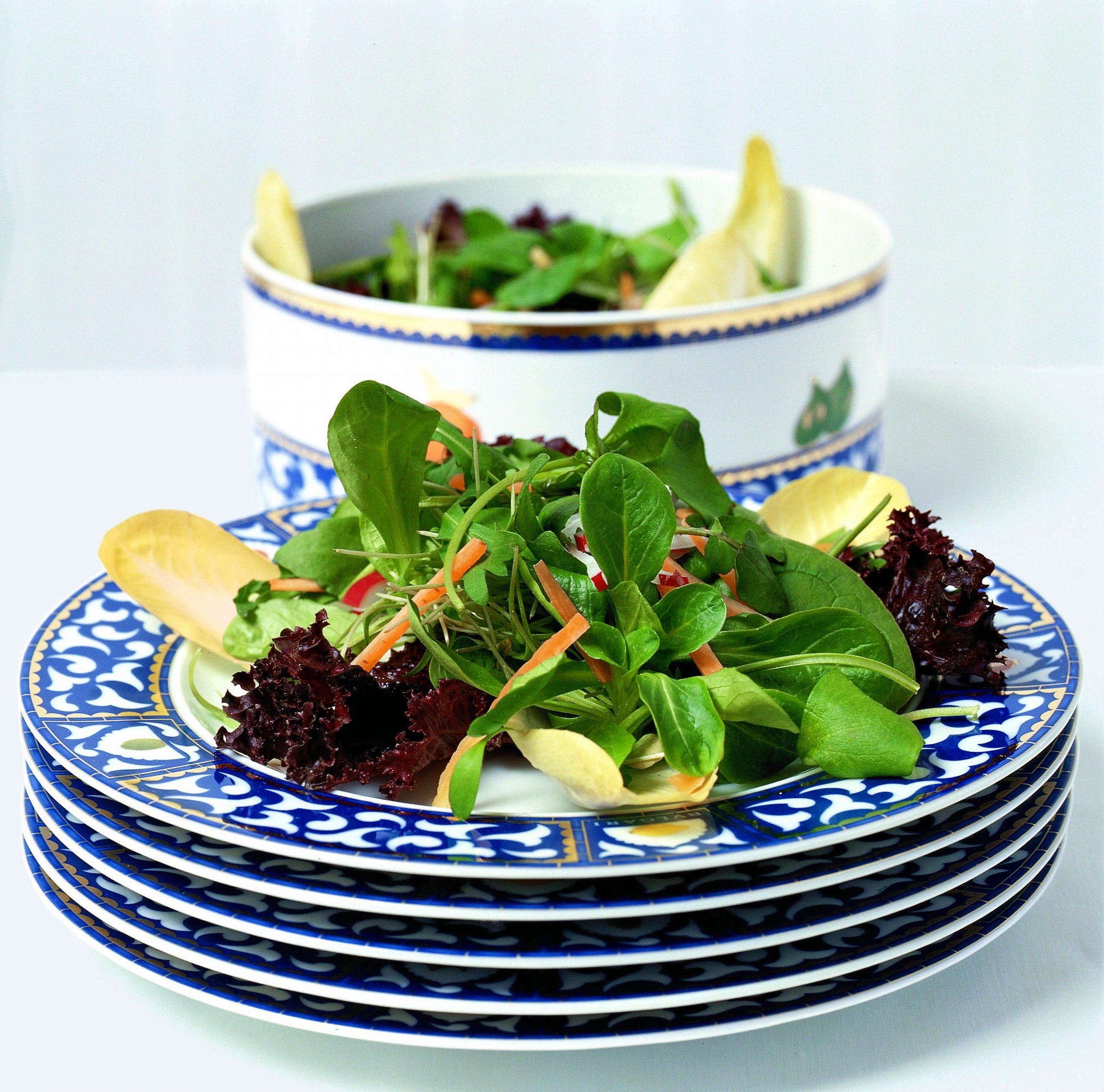 Salade de printemps et vinaigrette aux oeufs