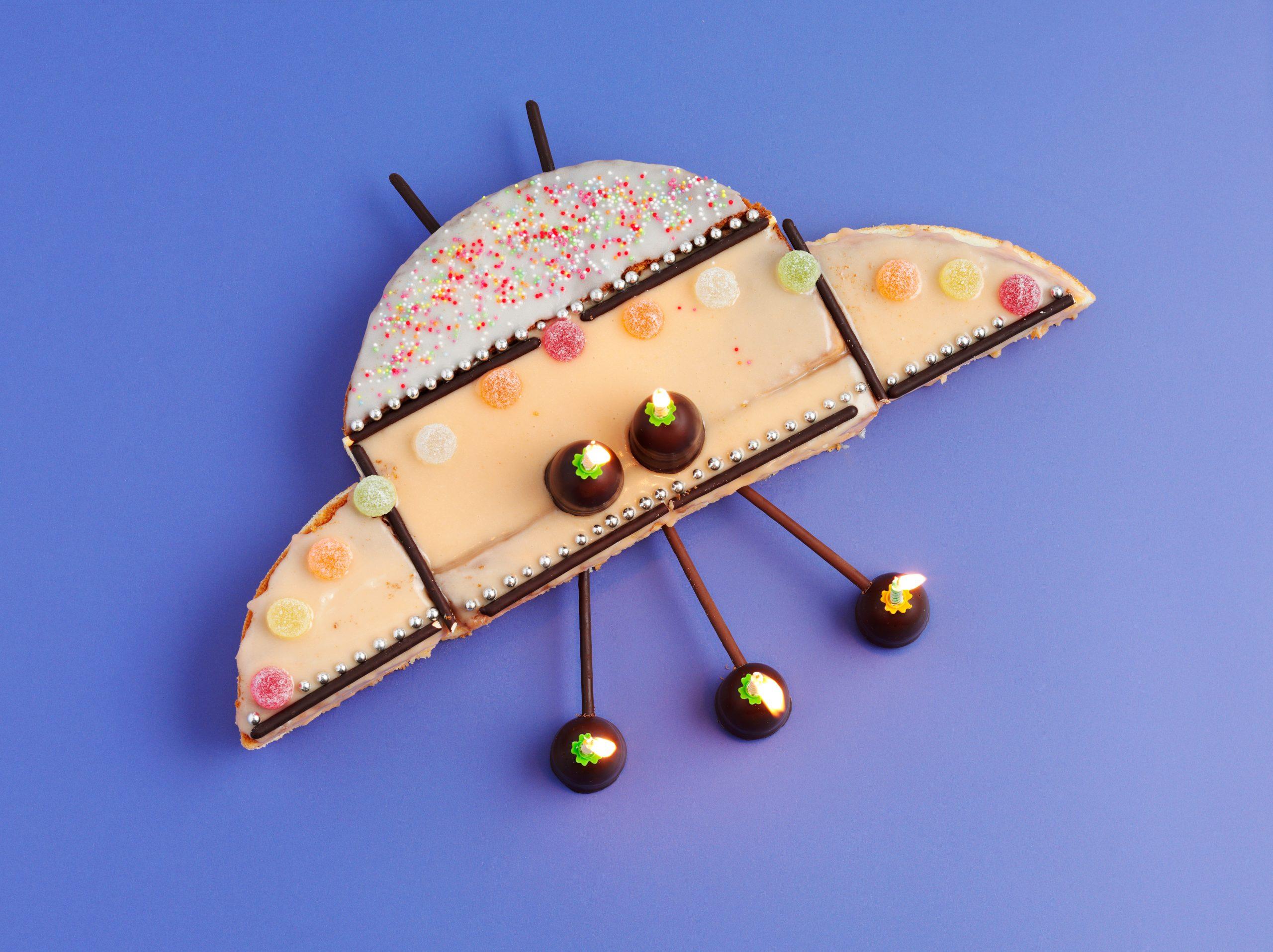 Gâteau d'anniversaire soucoupe volante