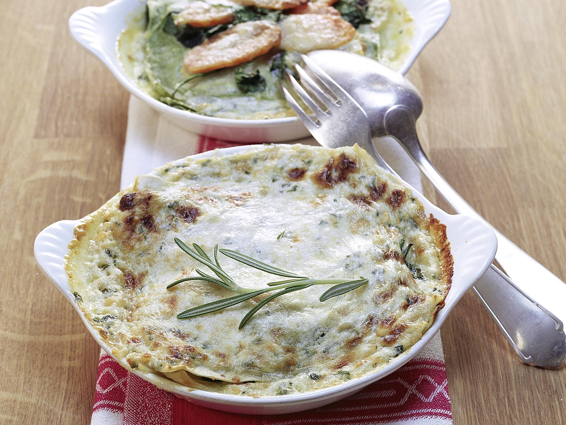 Lasagne aux légumes et sauce au fromage et à l'ail des ours