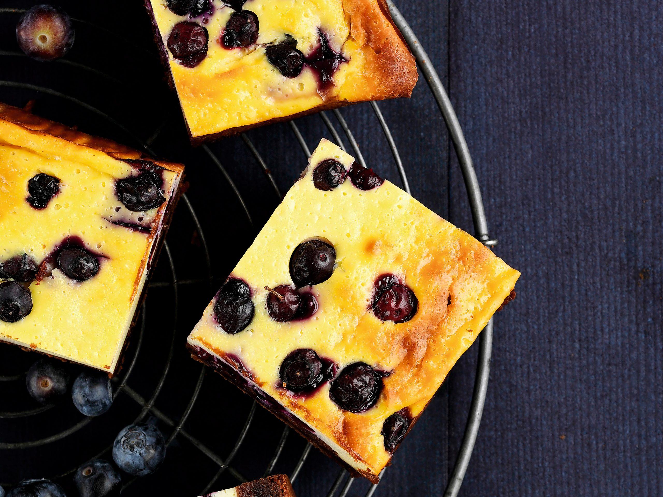 Cheesecakebrownie aux myrtilles