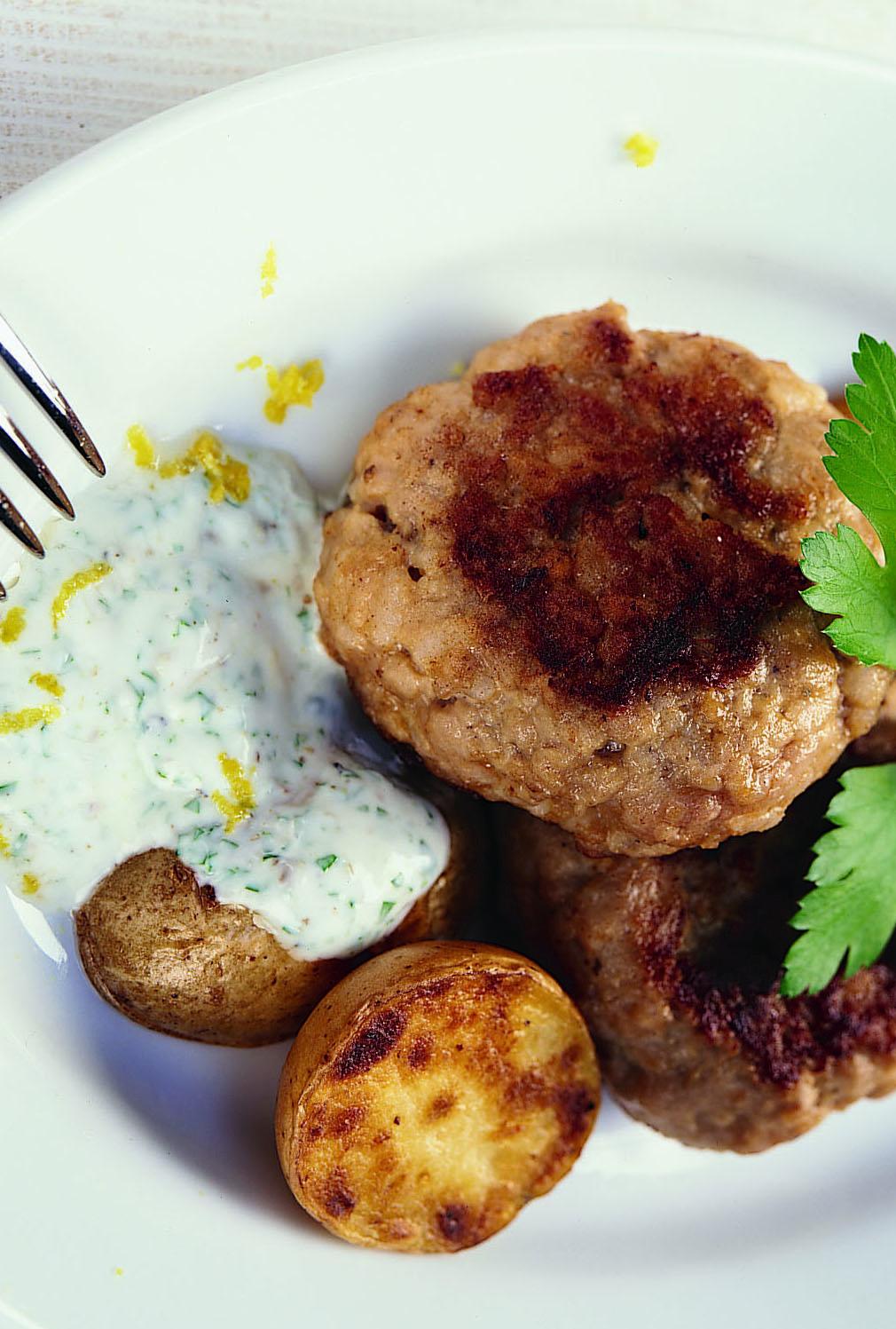 Steak de veau haché sauce yogourt au carvi