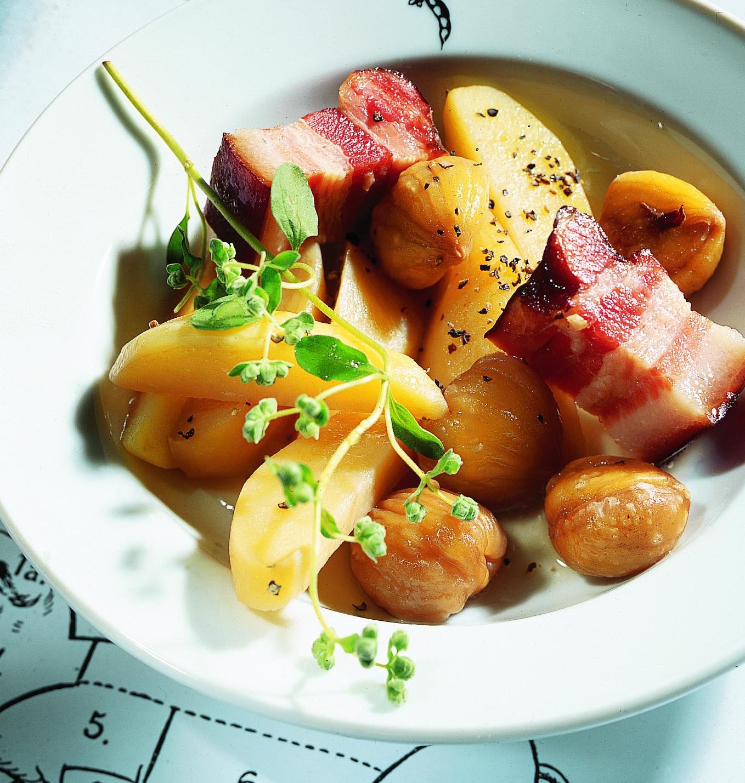 Châtaignes avec pommes de terre au lard
