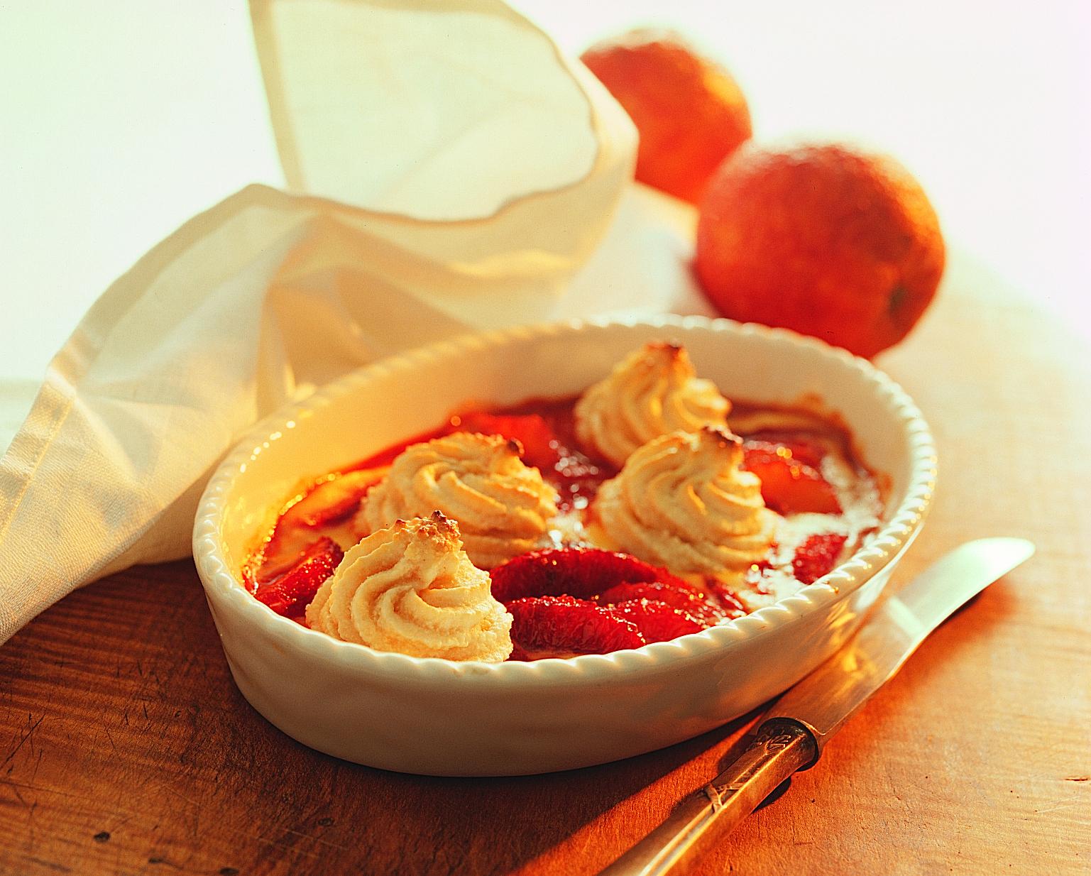 Gratin d'orange meringué aux amandes