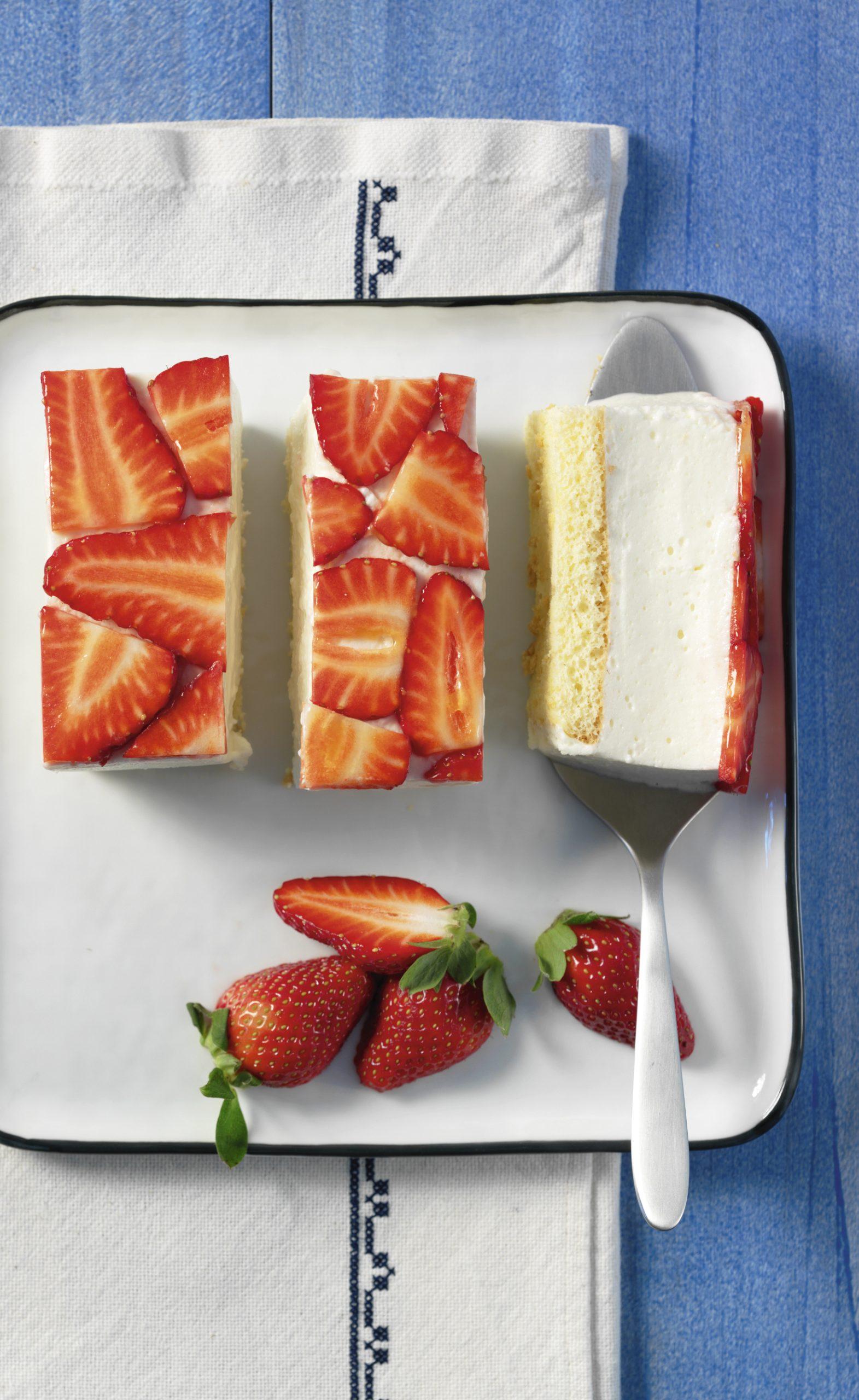 Gâteau à la mousse de séré aux fraises