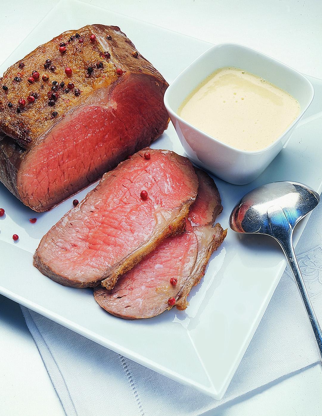 Roastbeef mit Whisky-Pfeffer-Buttersauce