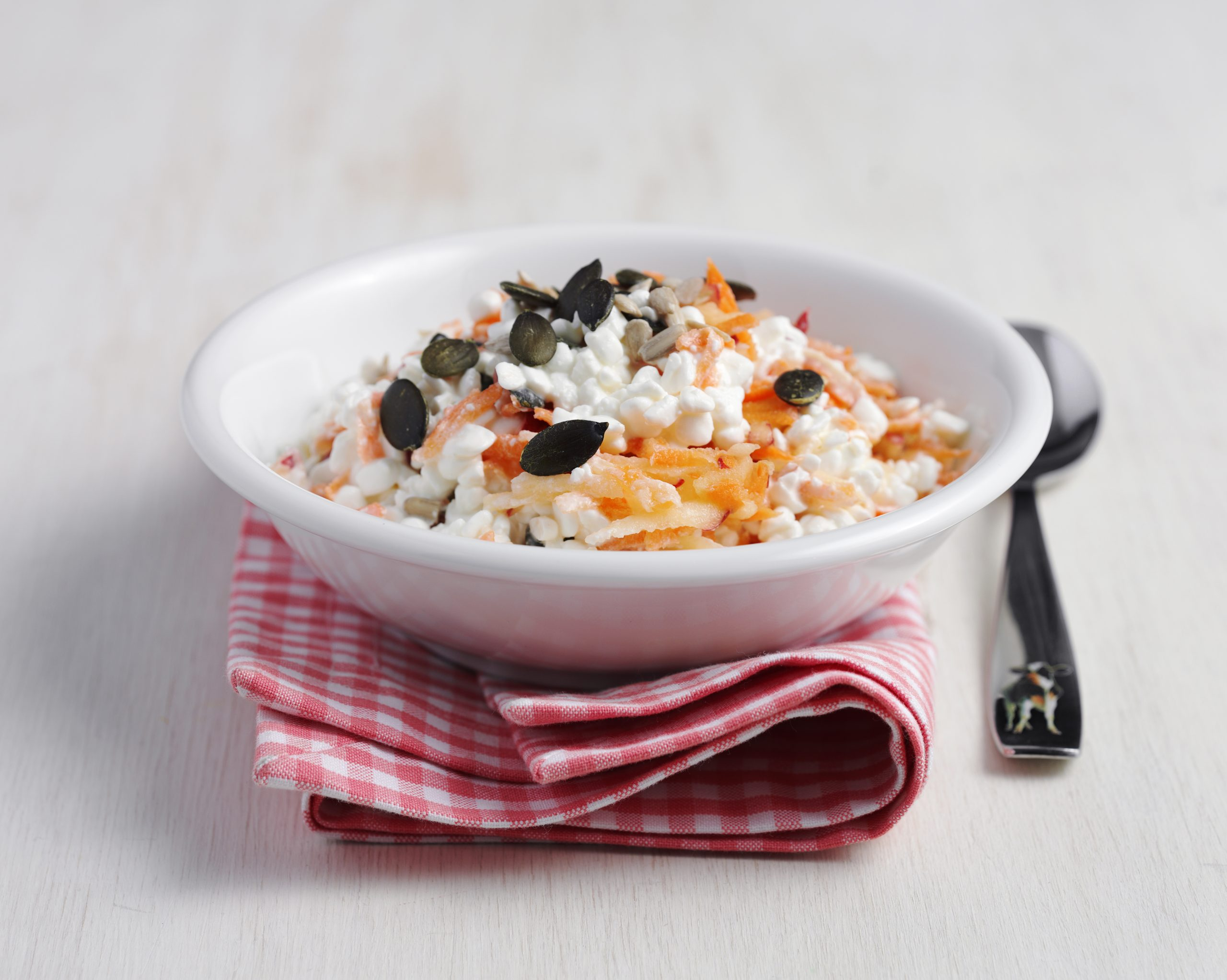 Bircher pomme-carotte au cottage cheese (low carb)