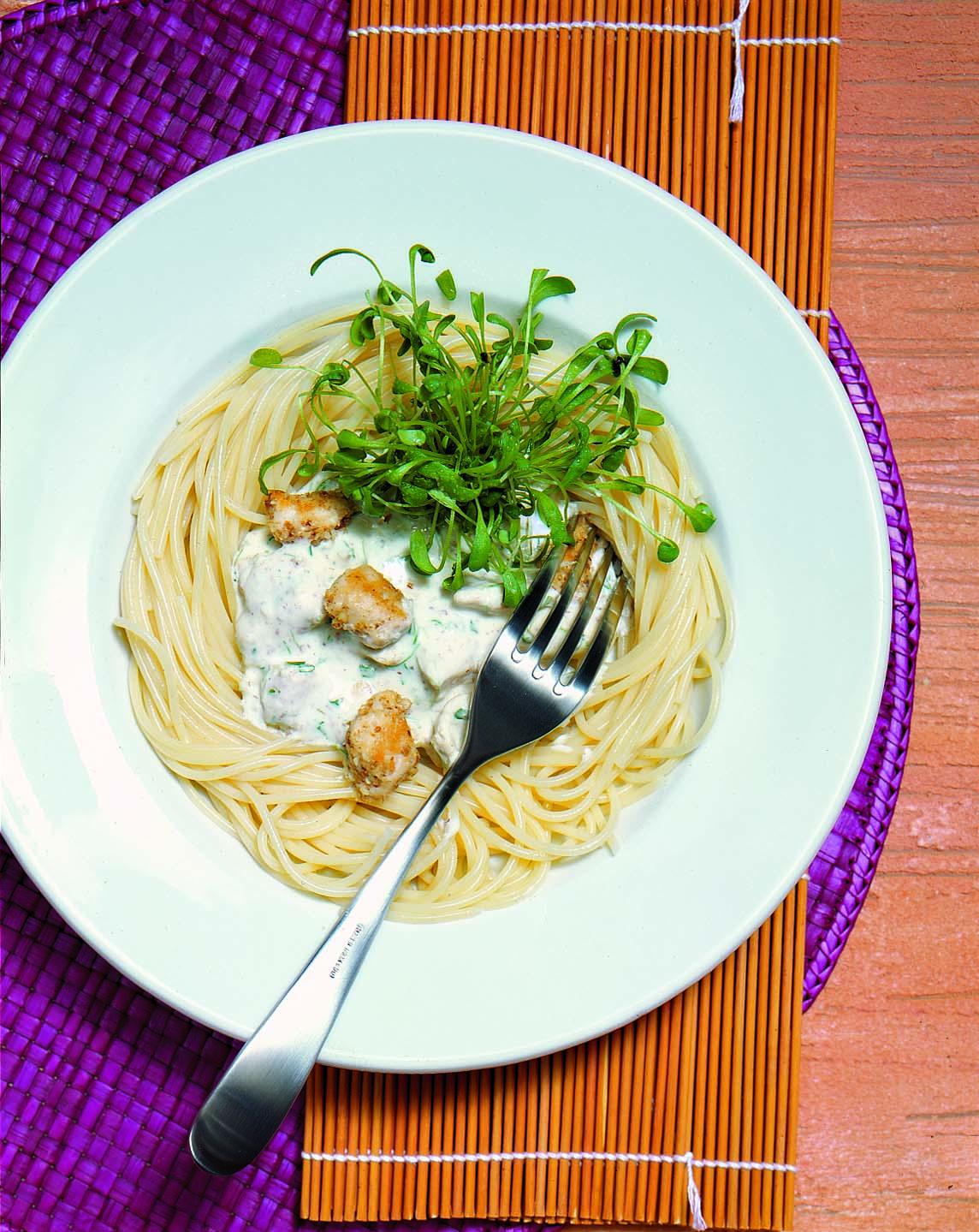 Spaghetti mit Kresse-Poulet-Sauce