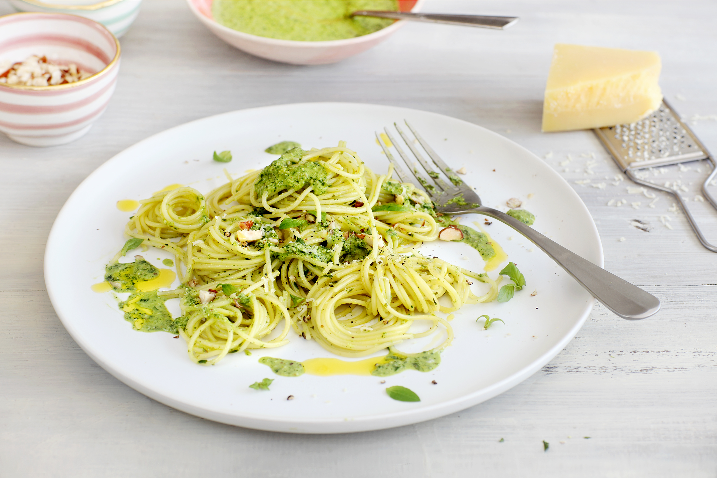 Spaghetti mit Resten-Pesto