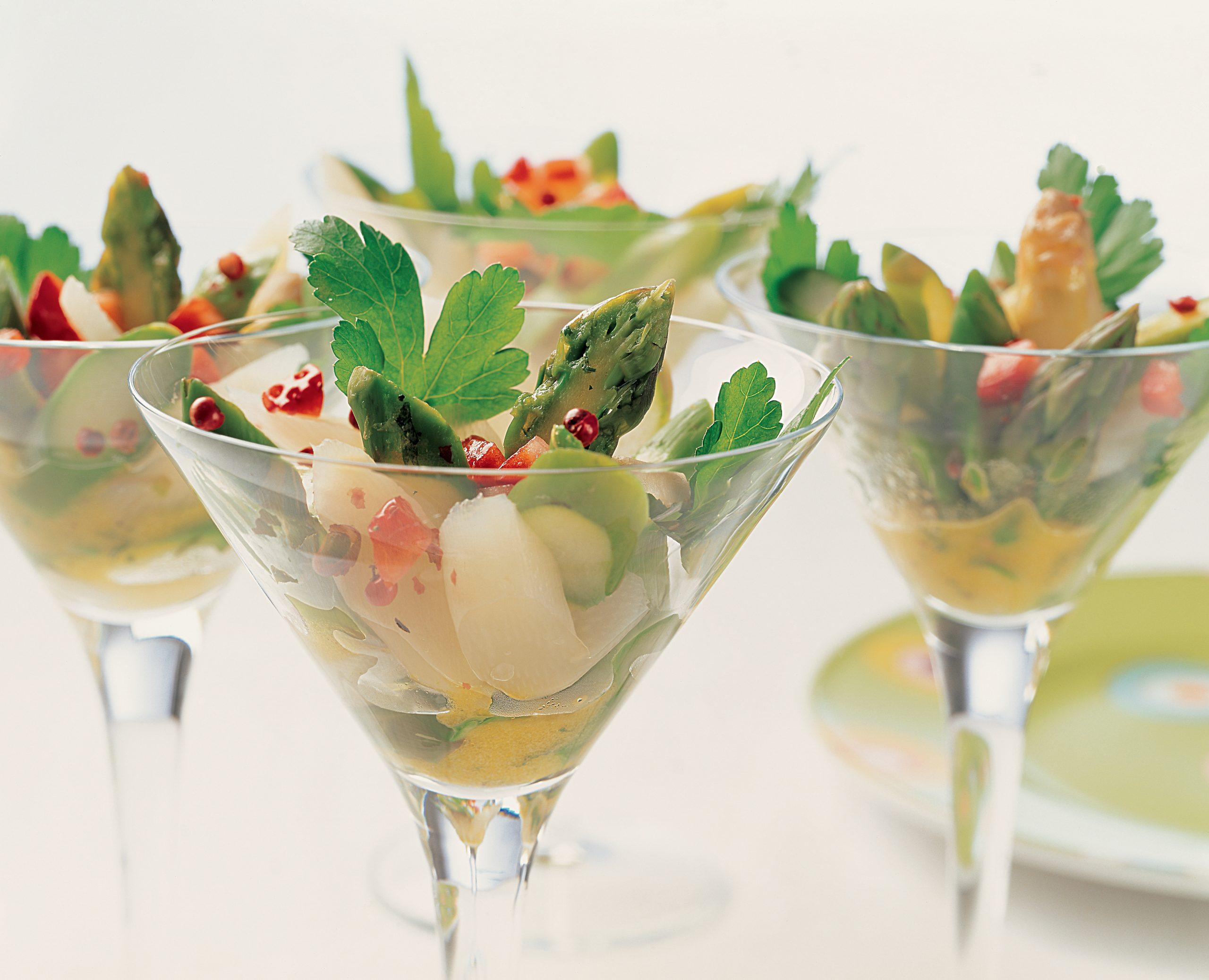 Salade d'asperges et vinaigrette à la fraise