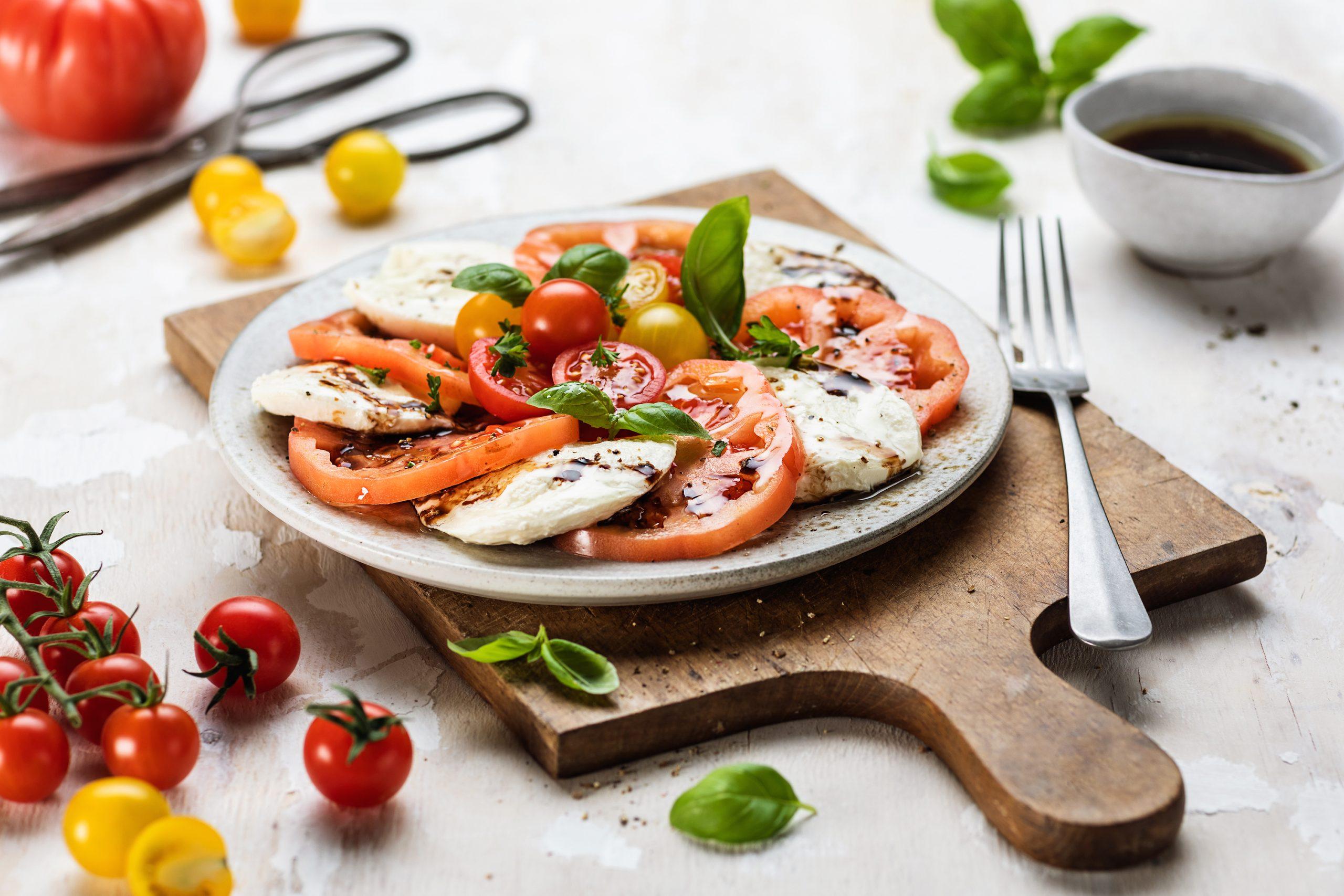 Tomaten-Mozzarella-Salat (Caprese)
