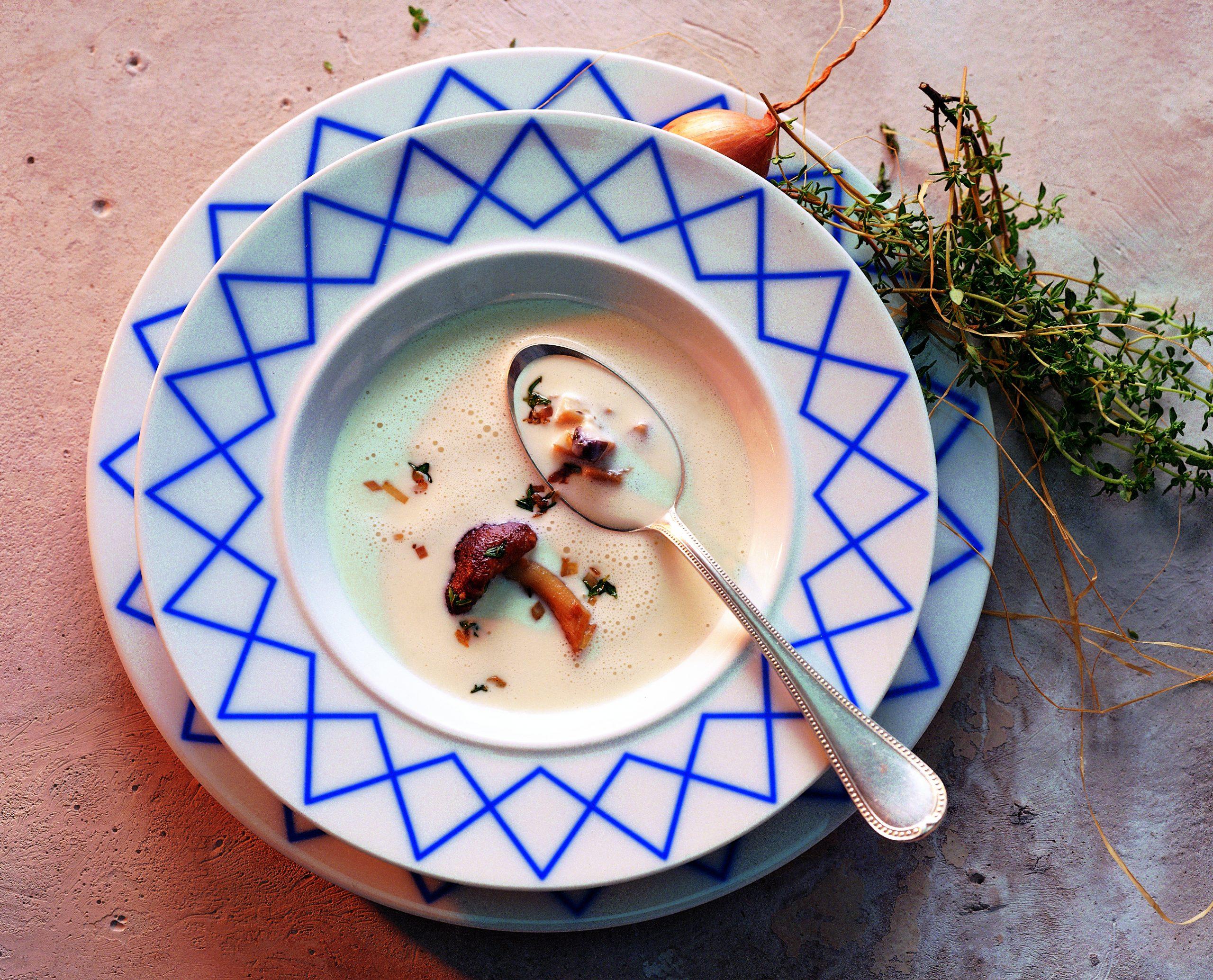 Vacherin-Suppe mit gebratenen Steinpilzen